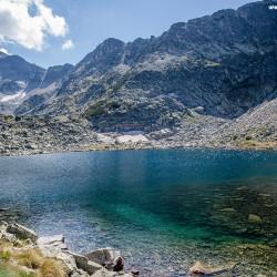 Едното от Мусаленските езера